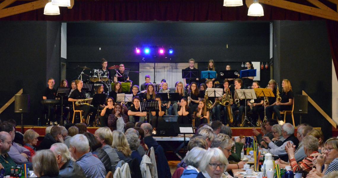 Auftritt der Big Band des Gymnasiums Syke bei Rock4Ghana.